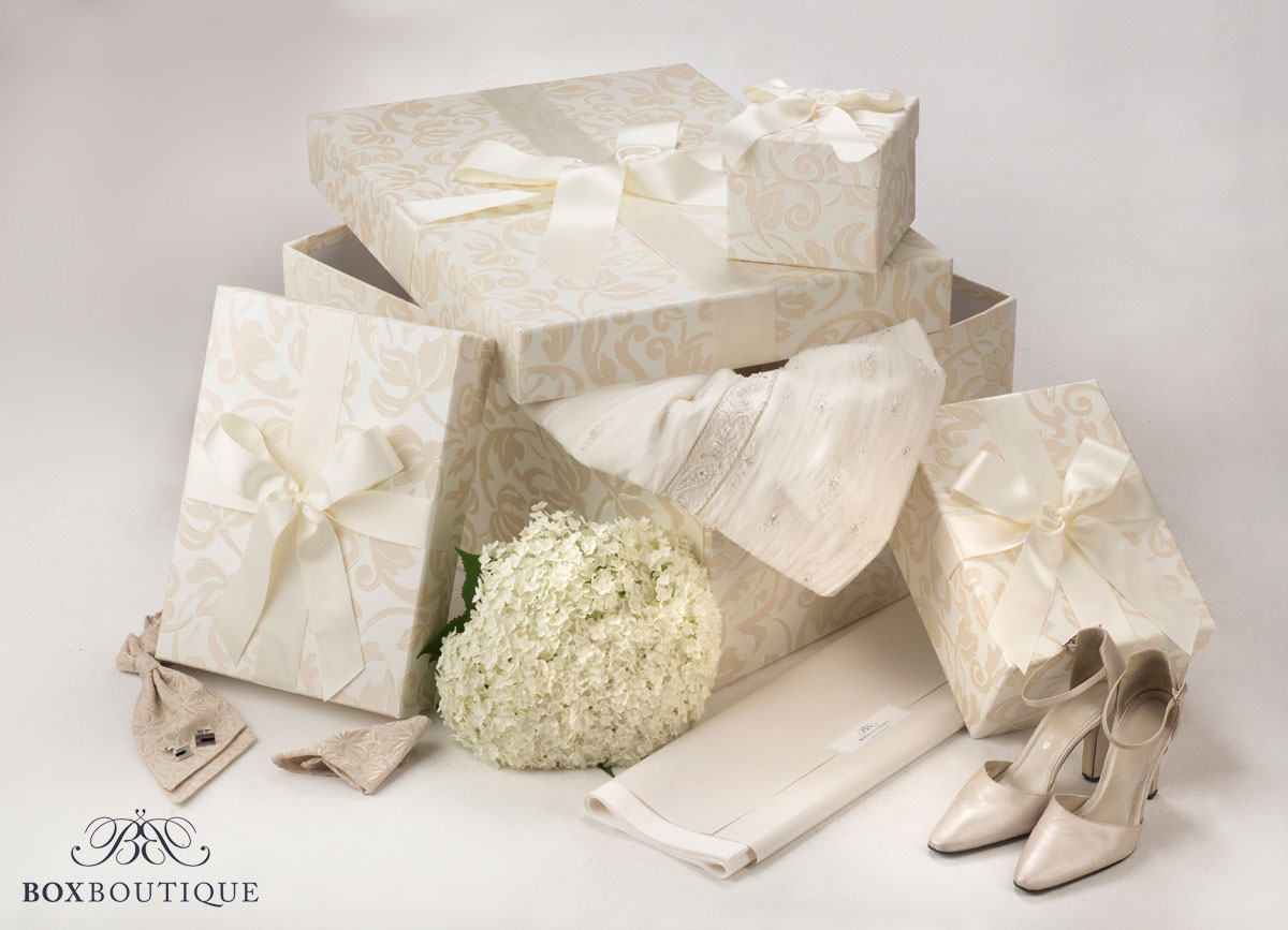 Box-Set - Brautkleidbox und Accessoiresboxen Ivory Dream mit Dekoration