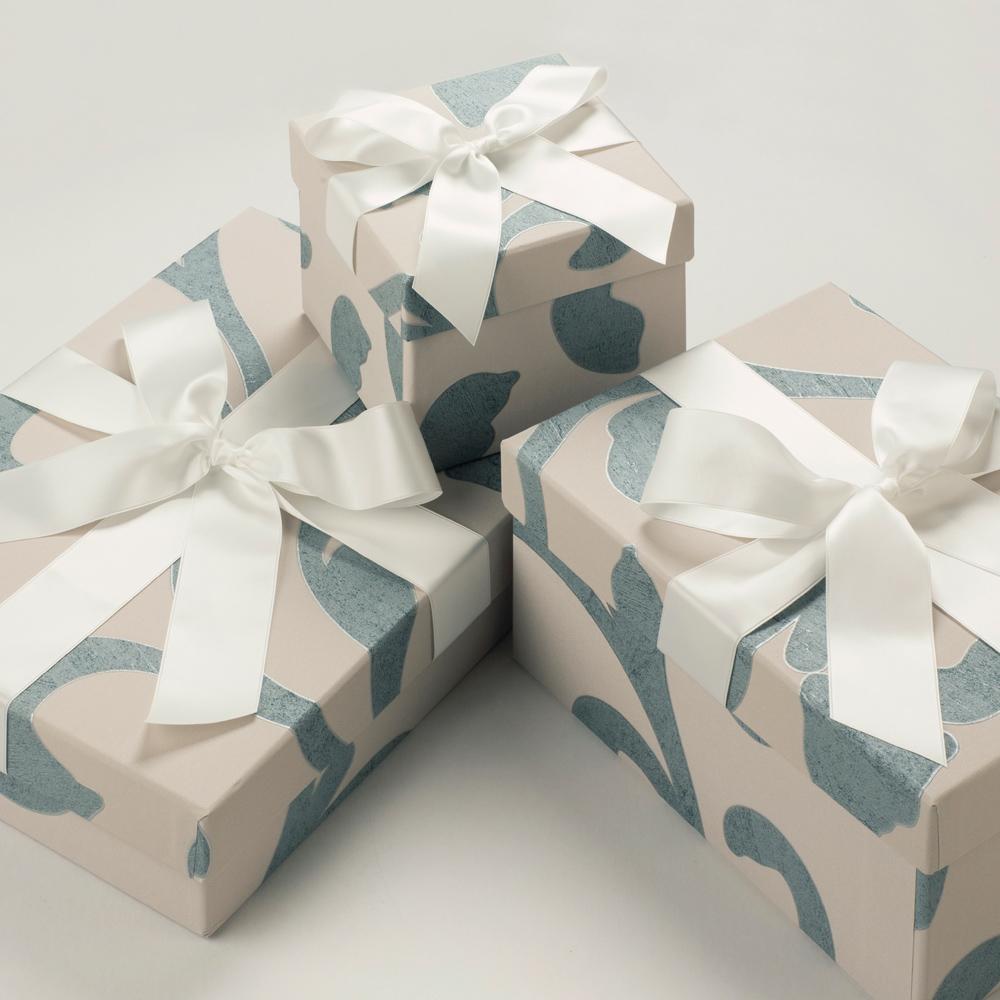 box boutique brautkleidboxen accessoires boxen steel. Black Bedroom Furniture Sets. Home Design Ideas